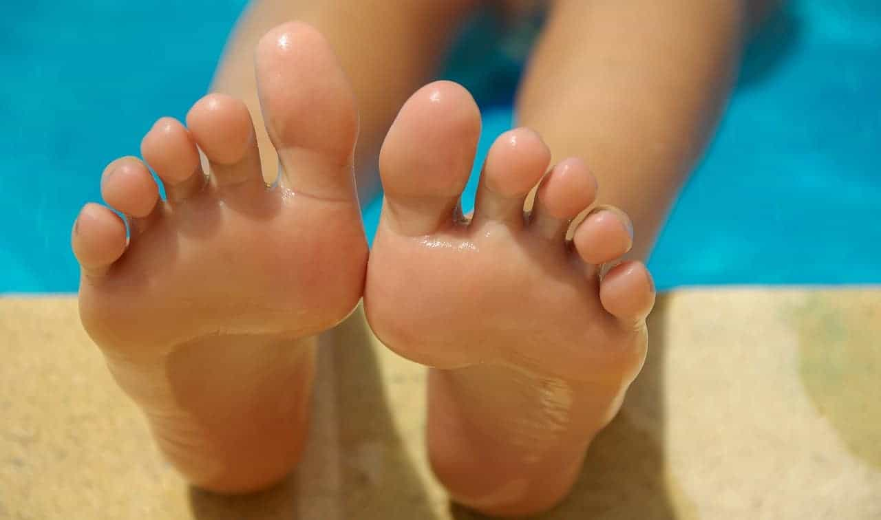 How To Remove Self-tanner from toe nails